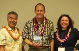 Gov-Ige_Greg-King_Sarah-Allen_Award